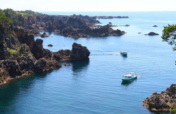 佐渡島 尖閣湾揚島遊園 海中透視船