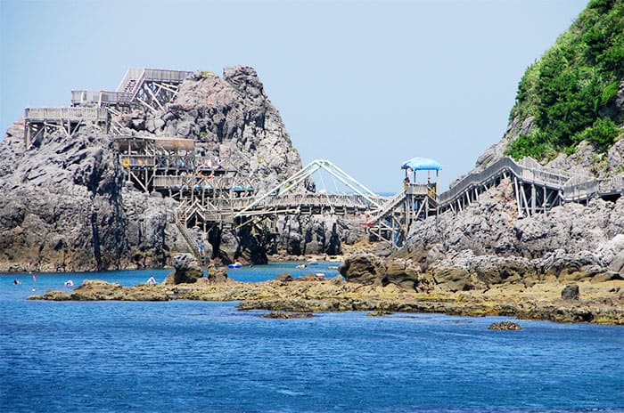 神津島 赤崎遊歩道 海のアスレチック