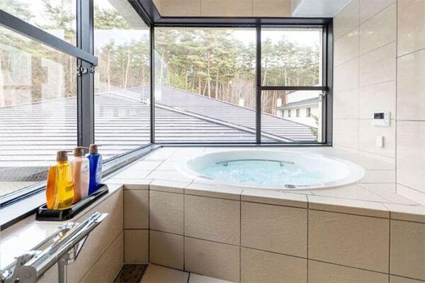 八ヶ岳 ホテル風か ジャグジー風呂
